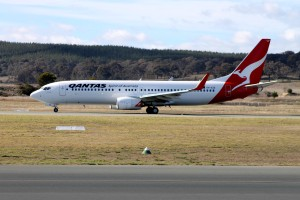 Qantas Canberra Airport VH-XZE