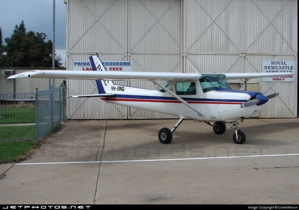 Cessna 152 (VH-RNQ) Maitland Airport